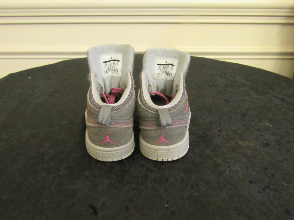 4c88a013f28550 ... 9 C  JORDAN 1 (844507-017) Gray   Pink Youth Toddler Sneakers SIZE ...