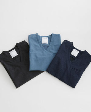 Women's Surgical Gowns: Scrub Tops & Linen Like