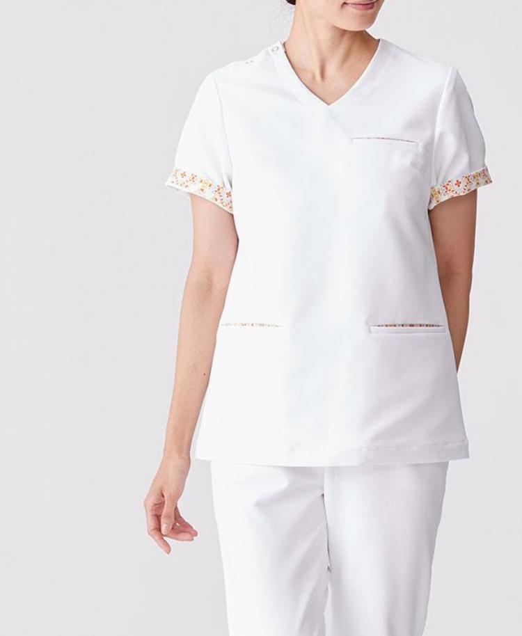 Women's Surgical Gown: Scrub Tops / Plantica