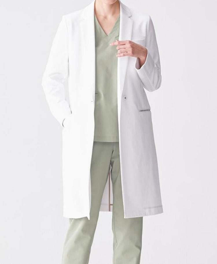 Women's Surgical Gown: Scrub Top AIR Women's Scrubs- Classico