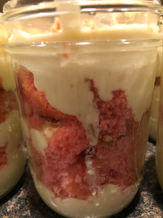 Strawberry banana pudding CAKE jar