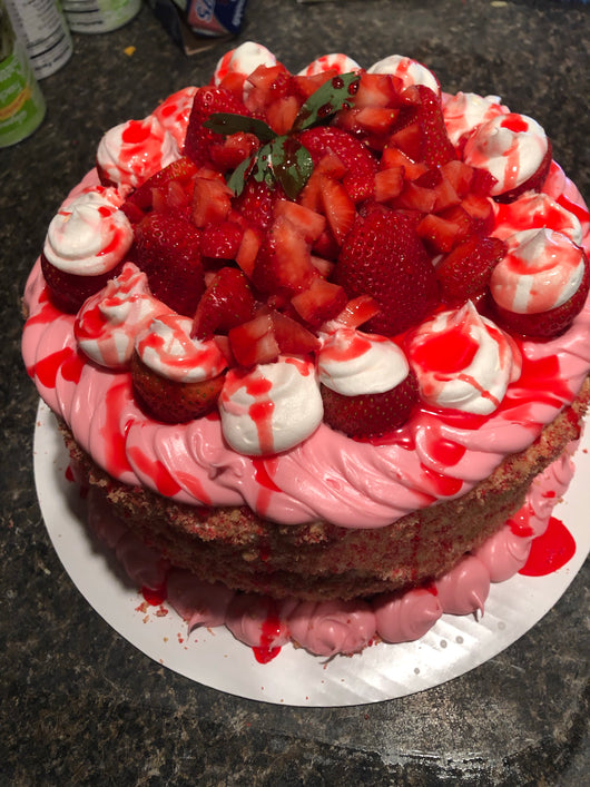 Strawberry shortcake crunch supreme cake