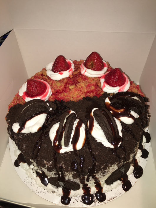 Strawberry crunch/ Oreo cookie Cake
