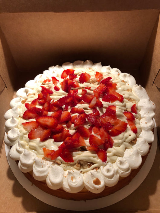 Strawberry banana pudding cheesecake