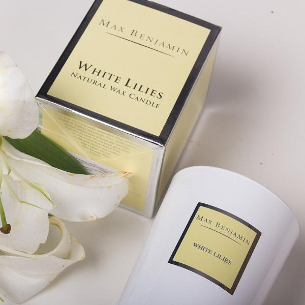 White Lilies Scented Candle - Modern Quests