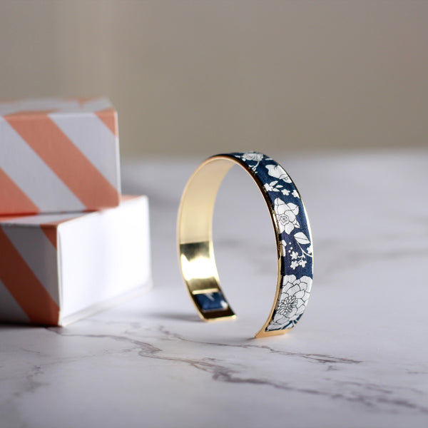 Navy Blue Bloom Bracelet - Gold