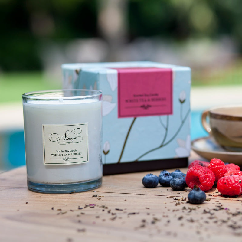 White Tea & Berries Scented Candle