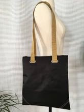 Load image into Gallery viewer, Premium Collection | Square Envelope-Corner Bag | Black x Ochre