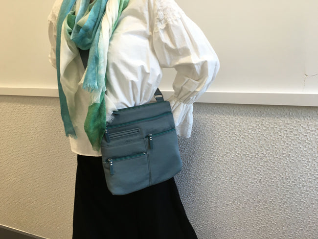 Nico - Small Multi-Pocket | Steel Blue & Azure