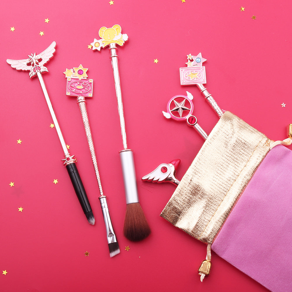 This 6 pcs makeup brush set is inspired by iconic anime Cardcaptor Sakura & features adorable designs including her gorgeous magical girl wands & sidekick Kero! Rose Gold Variation