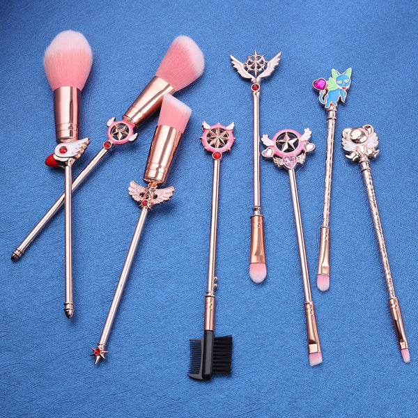 This 8 pcs makeup brush set features adorable designs from the Cardcaptor Sakura Clear Card Arc including her gorgeous magical girl wands, clow staff, Spinel/Suppi and Kero designs!