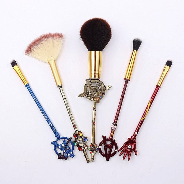 Marvel Avengers Symbols Brush Set - Celebrate the Avengers with this cool makeup brush set, featuring symbols representing the different heroes!