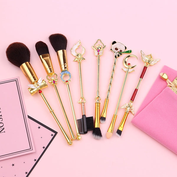 League of Legends Star Guardians Brush Set - Gold, Makeup Tool - Bijou Blossoms | A must-have for any League of Legends fan, this 8-piece makeup brush set is inspired by the exciting Star Guardians featuring designs from Soraka, Lulu, Nami, Lux, Janna, and Panda Teemo too!