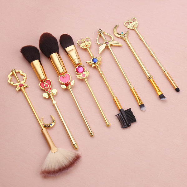 One of our best sellers, now in gold! The Sailor Moon Princess Makeup Brush Set is an 8 piece brush set featuring designs styled after pretty soldier Sailor Moon's gorgeous moon sticks, staffs, and wands!