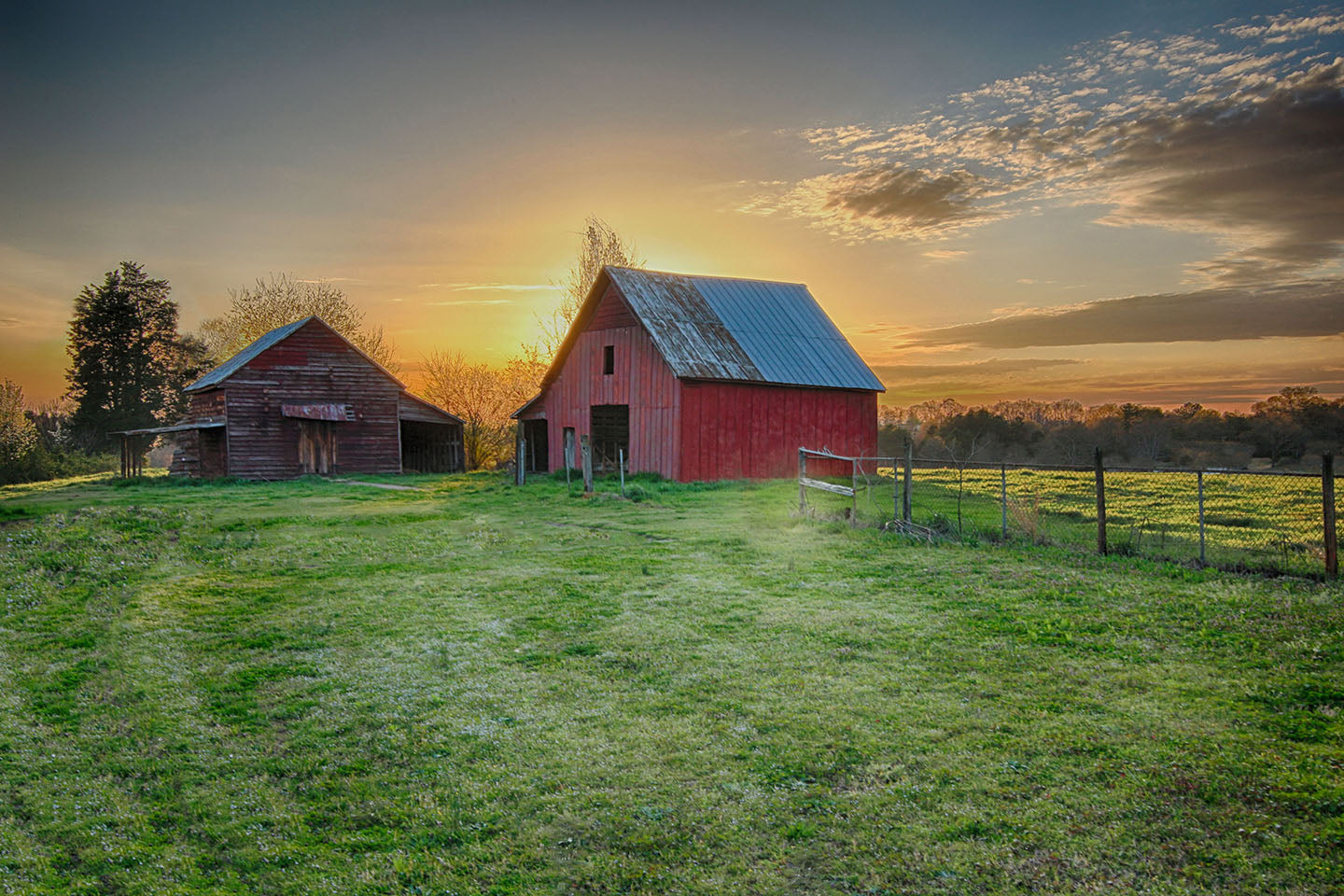 Locust Hill Sunset Barn