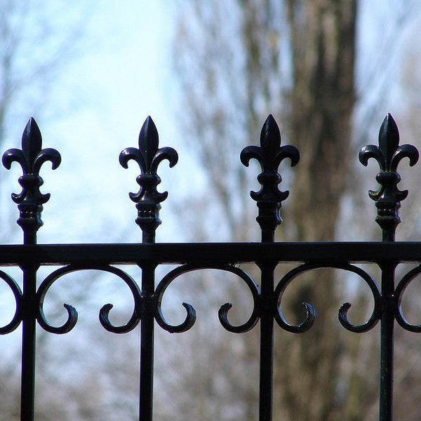 6 Victorian Era Fence Styles - For Historic Homes