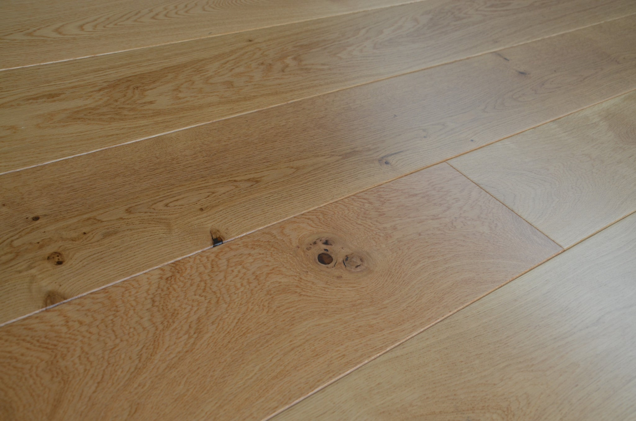 Lacquered flooring