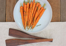Load image into Gallery viewer, Carrots - Red Core Chantenay