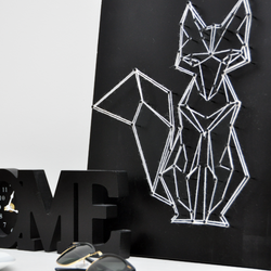 Add sophistication to your home with this geometric, minimalist yarn art - Fox