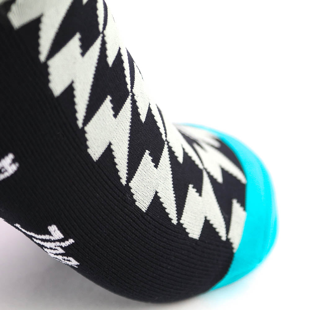 Lightning Bolt Winter Gradient Sock - Silver Bolts