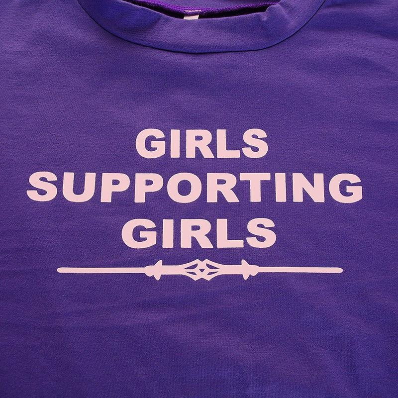 GIRLS SUPPORTING GIRLS CROP T SHIRT