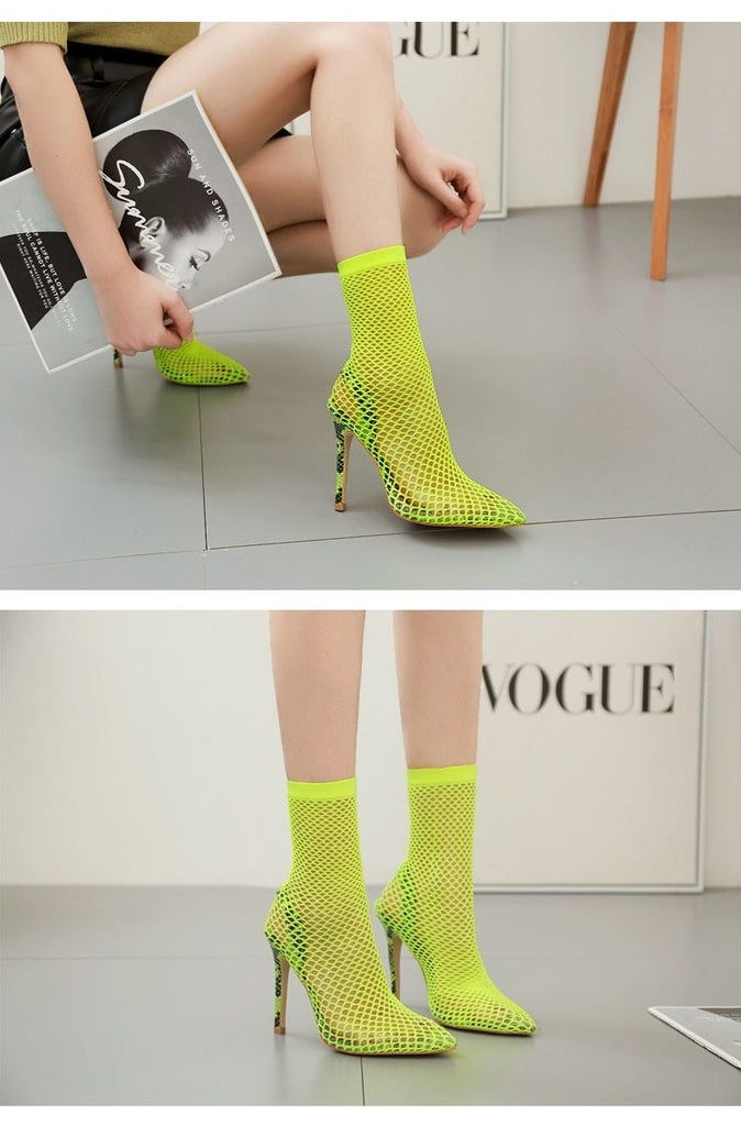 THE FLY GIRL PUMPS- NEON GREEN