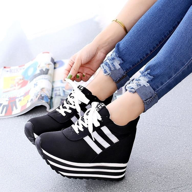 THE ROLLER COASTER SNEAKERS -BLACK
