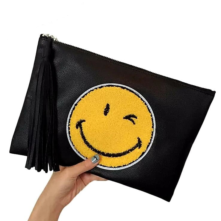 THE SMILEY CLUTCH