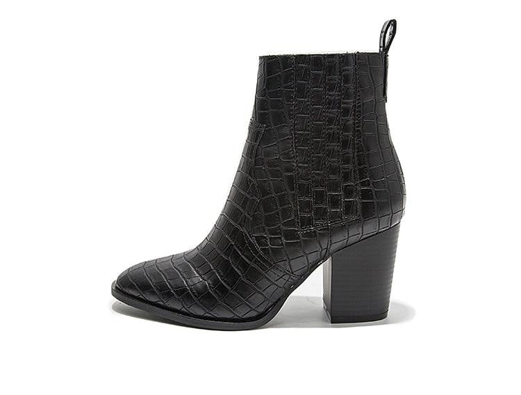 YOU GOT MY ATTENTION BOOTS - BLACK