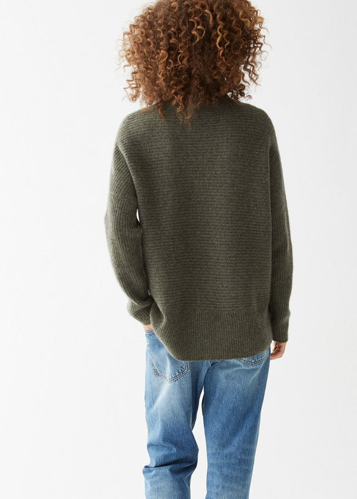 Grace Turtleneck Olive - Not Monday
