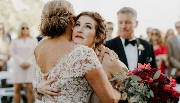 7 Ways to Include Mom's Wedding Dress on Your Big Day
