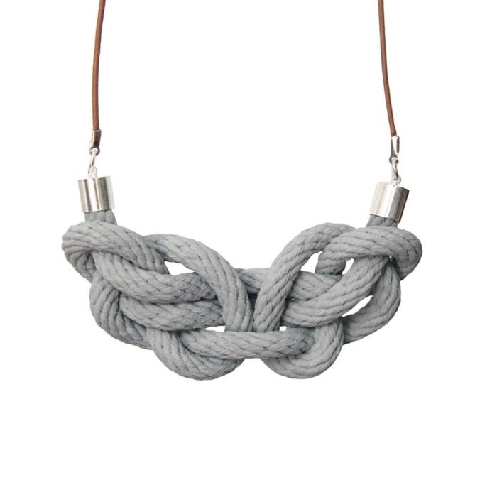 Paris Knot Necklace | Smoke