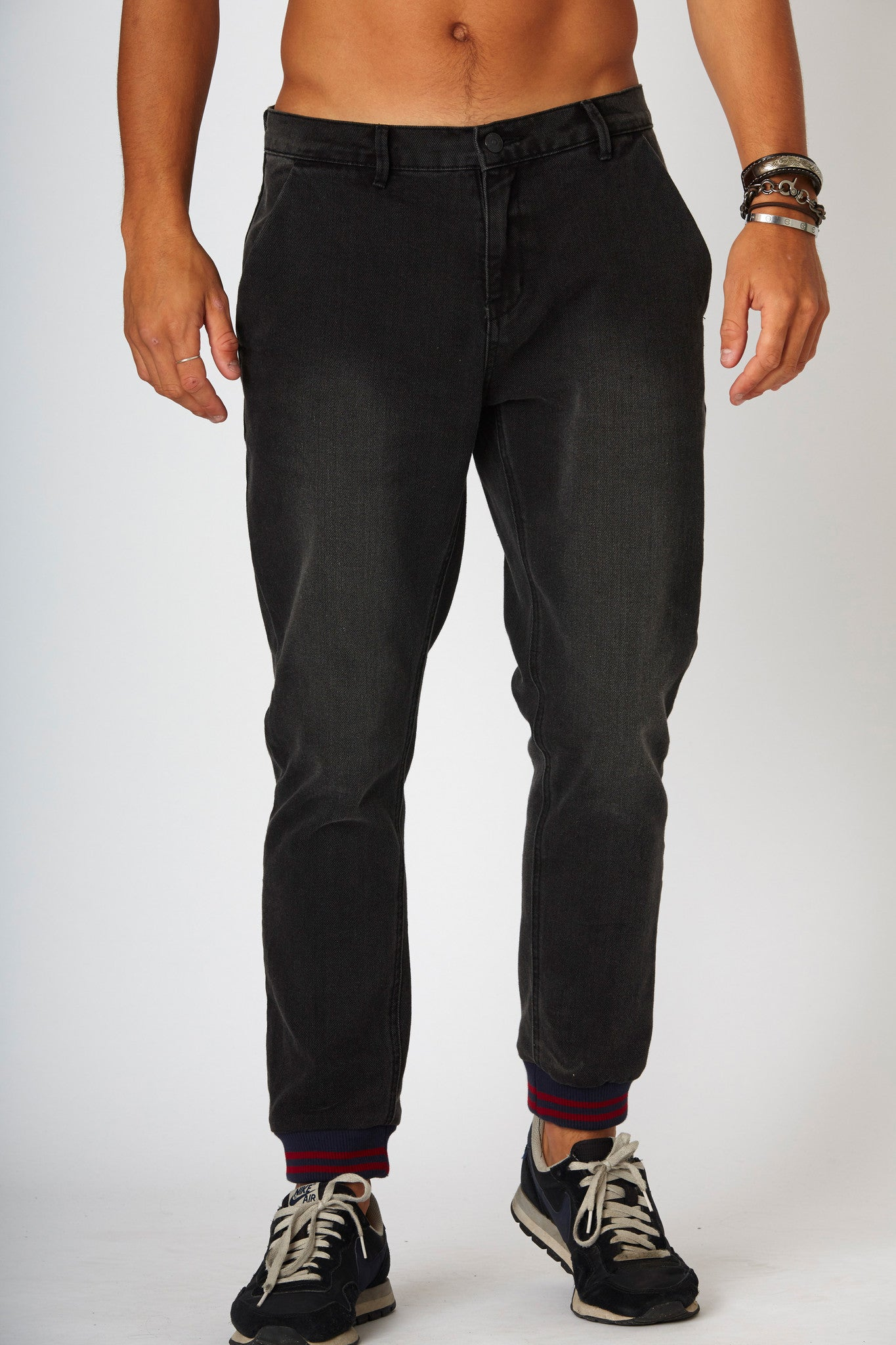 #2A11 Jogger Jean Kinetic Black - denimcolab