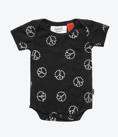 Pop Factory Peace Hands Onesie, Unisex, Short sleeve, available at Wilechile Baby Boutique. Online Store, Free shipping. Baby shower gift, New baby, Newborn clothing.