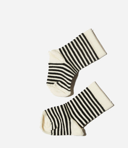 White toe Goat Milk NYC baby socks. Organic, stay up, good quality baby socks. unisex. Great baby shower gift. Find yours at Made Mini, Auckland, NZ. Free shipping NZ wide.