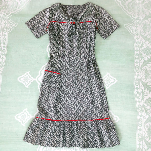 1950s Grey & Red Cotton Day Dress - Sweet Disorder Vintage