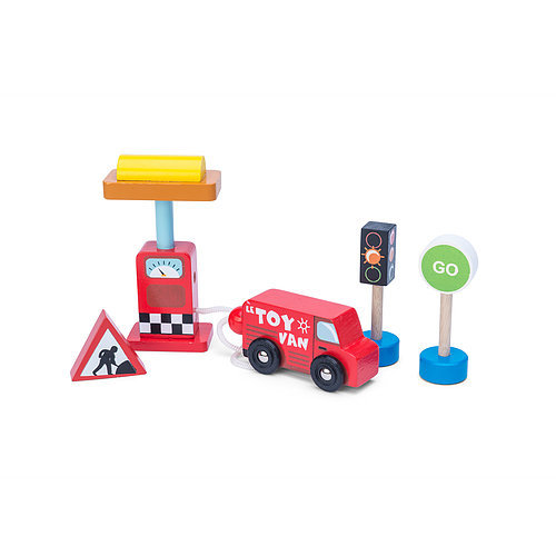 Le Toy Van Car and Petrol Pump Set