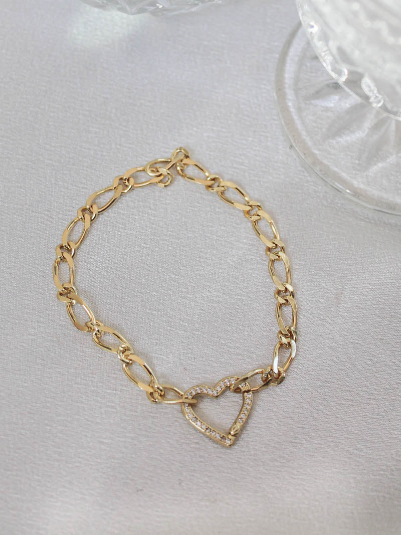 Gold Heart and Chain Bracelet | The Obcessory