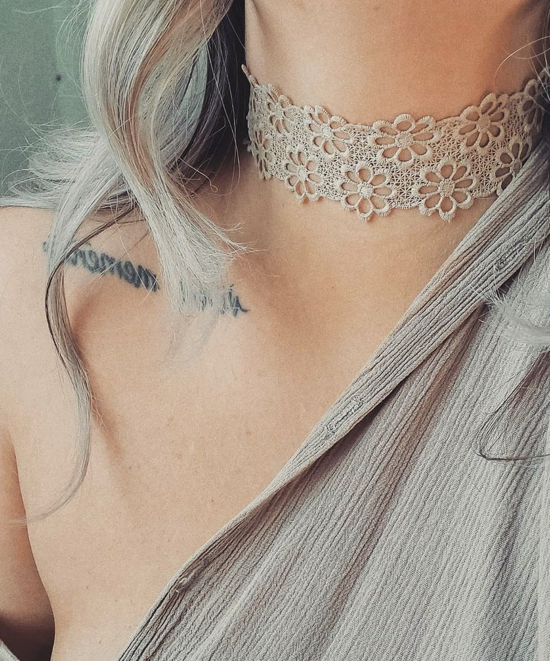 FRASIER STERLING . LACEY DAISY CHOKER