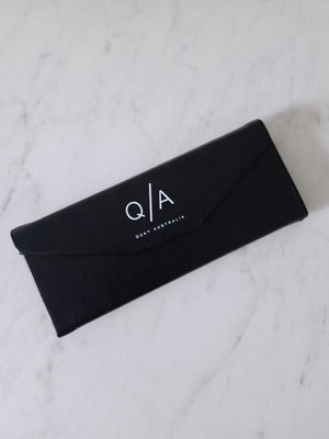 Black Tri Fold Case by Quay Australia