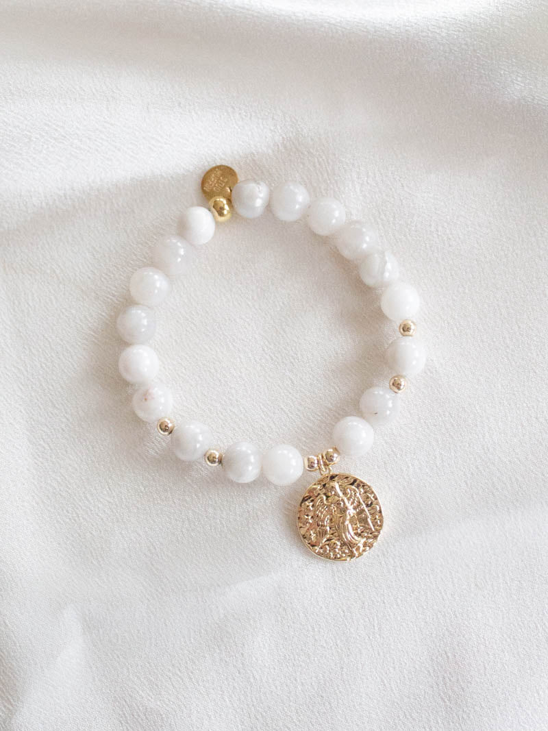 STUD MUFFIN BOSTON . WHITE AGATE ANGEL BRACELET