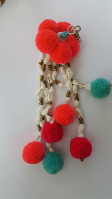 Keychain 5 Pompom And With Shell