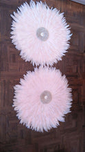 Wall Hanging Round Shell With Feather A