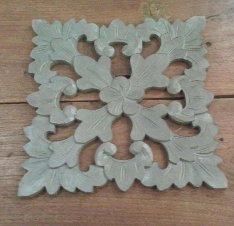 Traditional Balinese Carving Flower 30x30