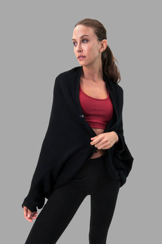 Cocoon Wrap in Black