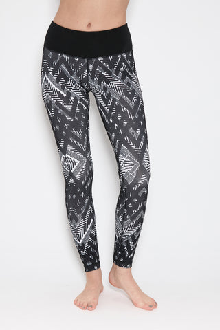 Chaq Legging in Black Print