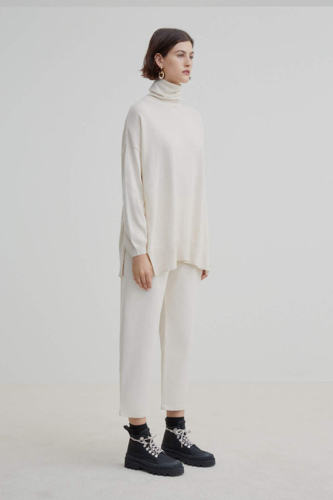 Kowtow Gallery Sweater Sand Marle