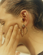 Justine Clenquet Bonnie Earrings Pale Gold