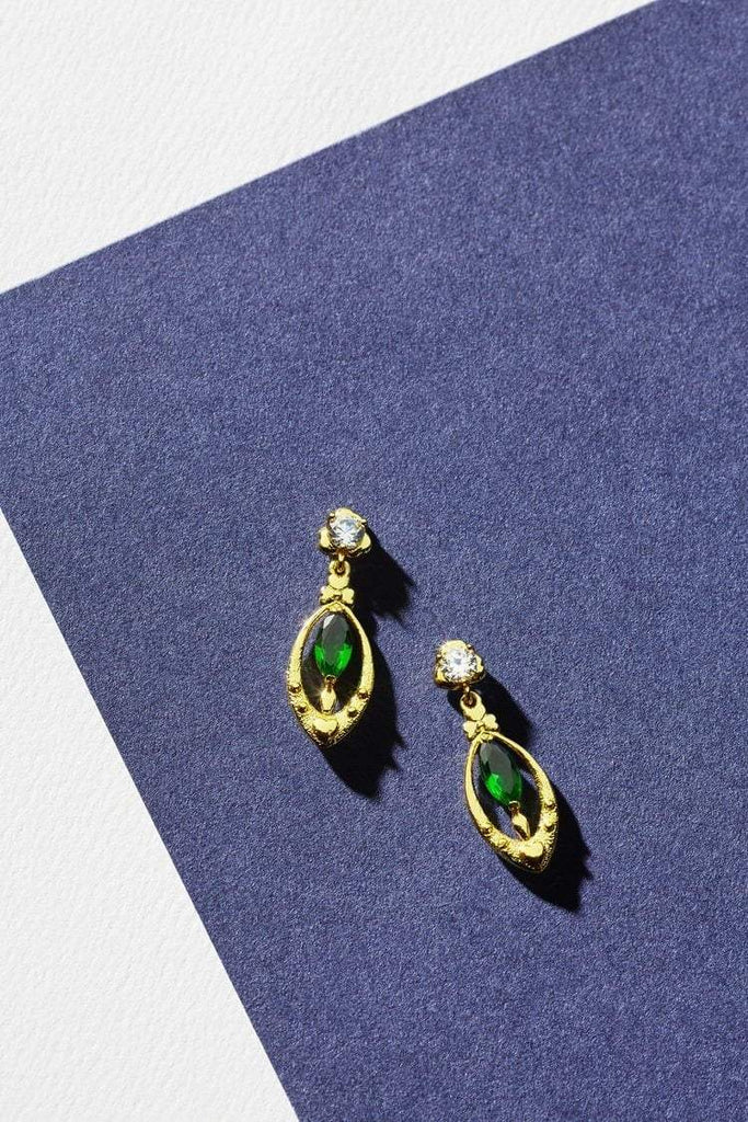 Reliquia Drop Heart Earrings in Green