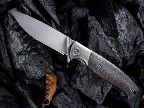 ** NOW HERE ** WE Knives - 901 DEACON - M390 Blade - Carbon Fiber &  Titanium  Handle - True Talon